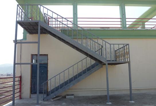 大厦钢结构楼梯